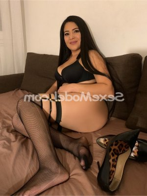 Safiatou escort girl massage sexy à Pavilly